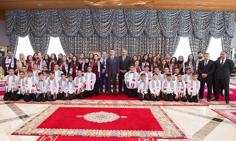 صاحب السمو الملكي ولي العهد الأمير مولاي الحسن يستقبل أطفال القدس المشاركين في الدورة الـ 12 للمخيم الصيفي