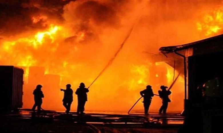 حريق يلتهم 50 محلا تجاريا بسوق الثلاثاء في إنزكان