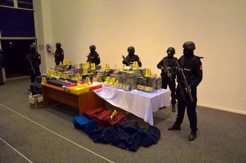حجز 476 كلغ من مخدر الكوكايين داخل شقة بالهرهورة في عملية امنية بين أمن تمارة والدارالبيضاء