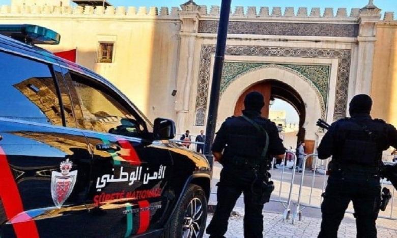 الأمن في فاس يشهر السلاح لتوقيف سكيرين عرضا عناصر الشرطة للرشق بالحجارة