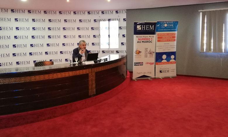 """إدريس اليزمي يقارب بمراكش موضوع """"المغرب في عولمة الهجرة: التحديات والفرص"""""""