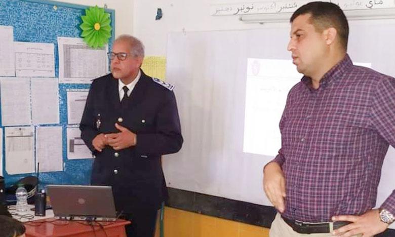 الشرطة المدرسية تحذر التلاميذ بالصويرة من الاستعمال المعيب للأنترنيت