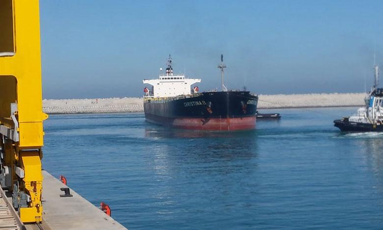الميناء المعدني الجديد بآسفي يستقبل أول سفينة أجنبية من الحجم الكبير