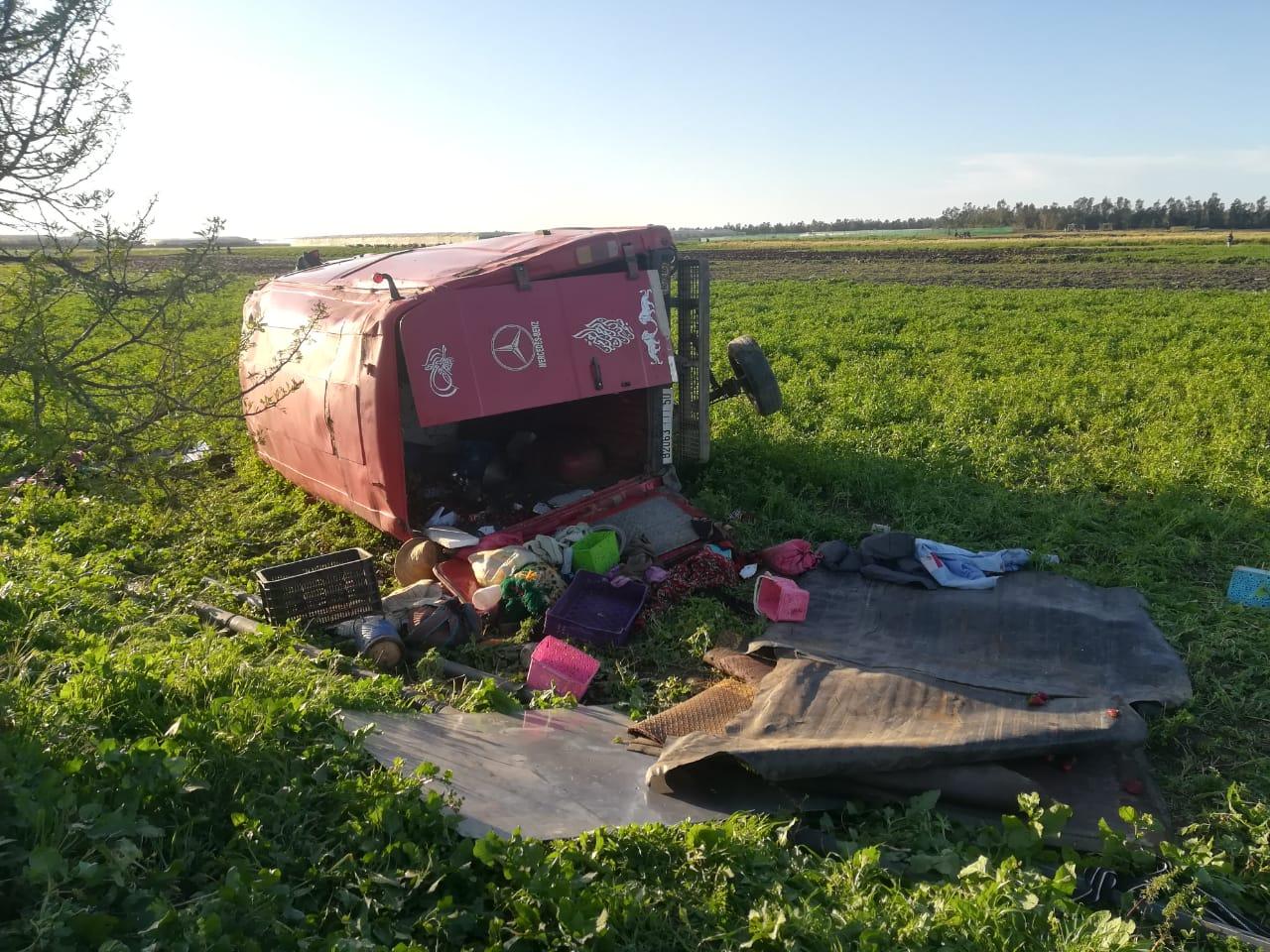 جرح 6 عمال زراعيين في حادث انقلاب سيارتهم ضواحي القنيطرة