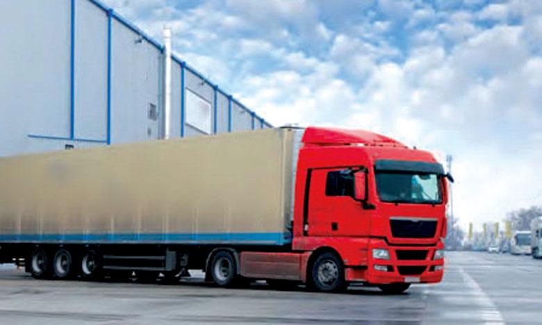 وزارة النقل تحدد عدد ركاب شاحنات نقل البضائع في السائق ومرافق واحد