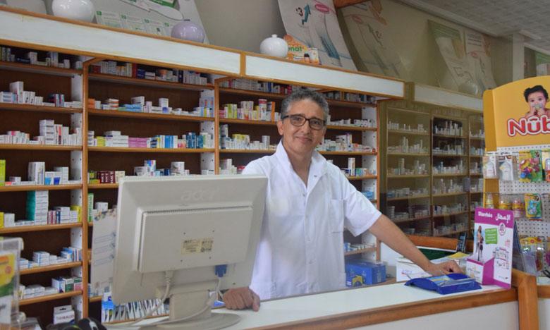 عبد الرحيم دراجي: ندعو إلى إشراك الصيادلة في توسيع عملية الكشف عن المصابين بفيروس كورونا