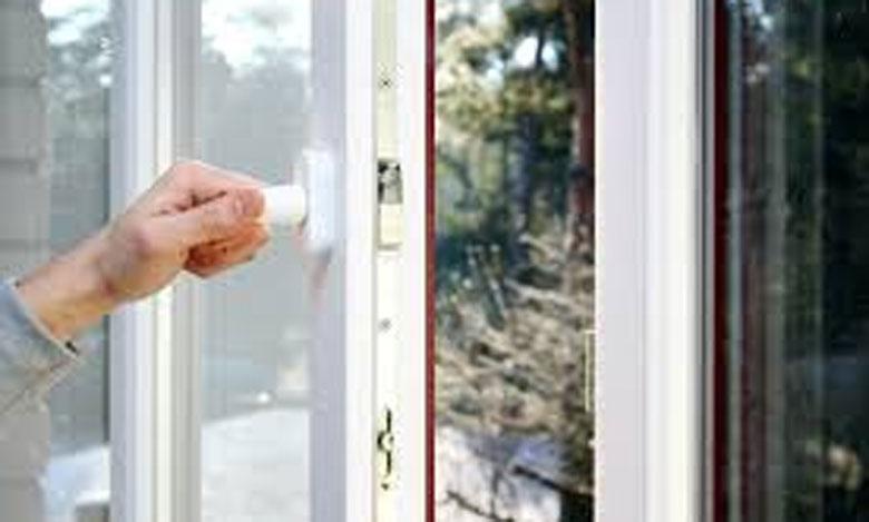 اختصاصيو الأمراض التعفنية يشددون على فتح النوافذ لتهوية فضاءات السكن والعمل