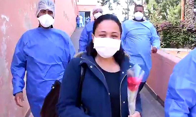 طالبة بكلية الطب والصيدلة بمراكش تغادر المستشفى بعد شفائها من فيروس كورونا