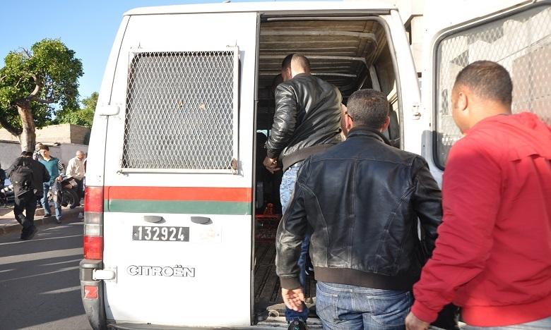 الدار البيضاء: توقيف 3 أشخاص لخرقهم حالة الطوارئ الصحية والاعتداء على ممثلي السلطات العمومية