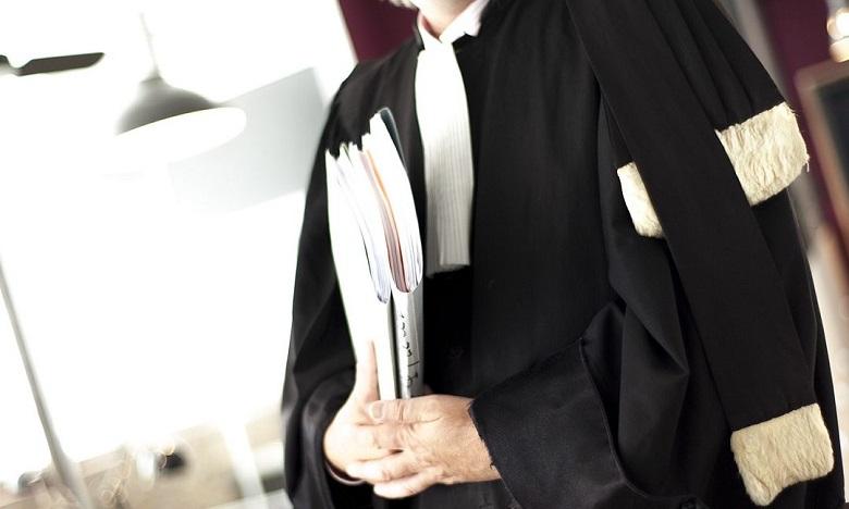"""هيئة المحامين بمراكش تقاضي """"يوتوبر"""" وصفت إصابة نقيبها بفيروس كورونا بـ """"العقاب الإلهي"""""""