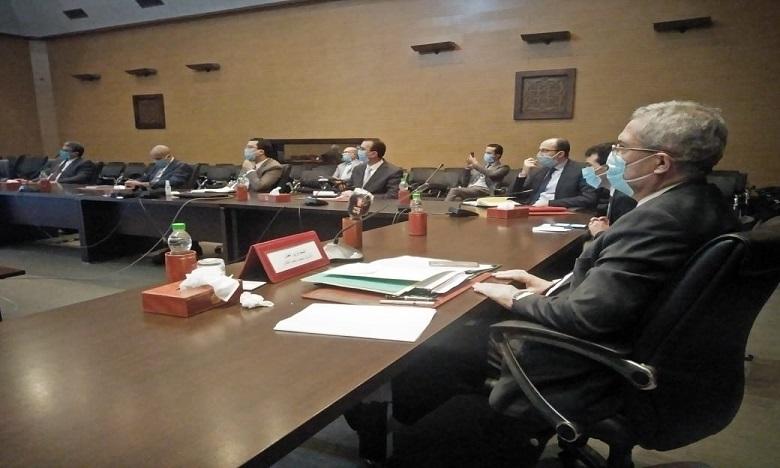 بنعبد القادر يترأس اجتماعا عبر التواصل عن بعد لتتبع وتنفيذ التدابير الحكومية لمواجهة جائحة كورونا