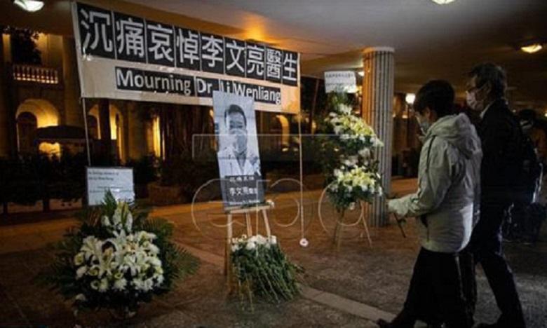 الصين تكرم الطبيب الراحل لي وينليانغ الذي كان أول من حذر من فيروس كورونا