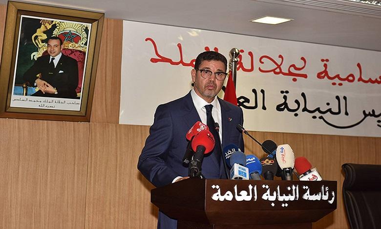 كوفيد - 19: عبد النباوي يدعو مسؤولي النيابات العامة إلى التطبيق الصارم للمقتضيات القانونية لاجبارية وضع الكمامات الوقائية