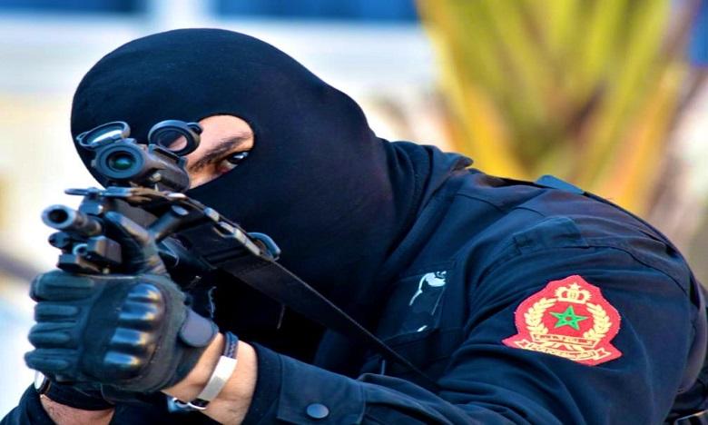 إشهار السلاح الوظيفي لتوقيف مشتبه فيه حاول مقاومة عناصر دورية للشرطة بفاس