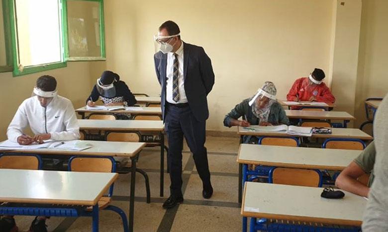 فاس: تلاميذ يحكون رحلة تنقلهم إلى مراكز الامتحان والعودة إلى المنزل في ظروف خاصة