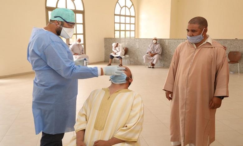 إخضاع الأئمة والمؤذنين لتحاليل الكشف عن كورونا قبل فتح المساجد بمراكش (صور)