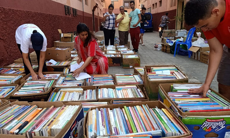 مركز التنمية لجهة تانسيف يقود حملة تضامنية لجمع الكتب المستعملة وتسليمها إلى كتبيي ساحة باب دكلة بمراكش