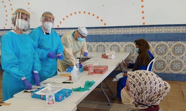 سفارة المغرب في مدريد تعلن عن إطلاق برنامج عودة عاملات الفراولة