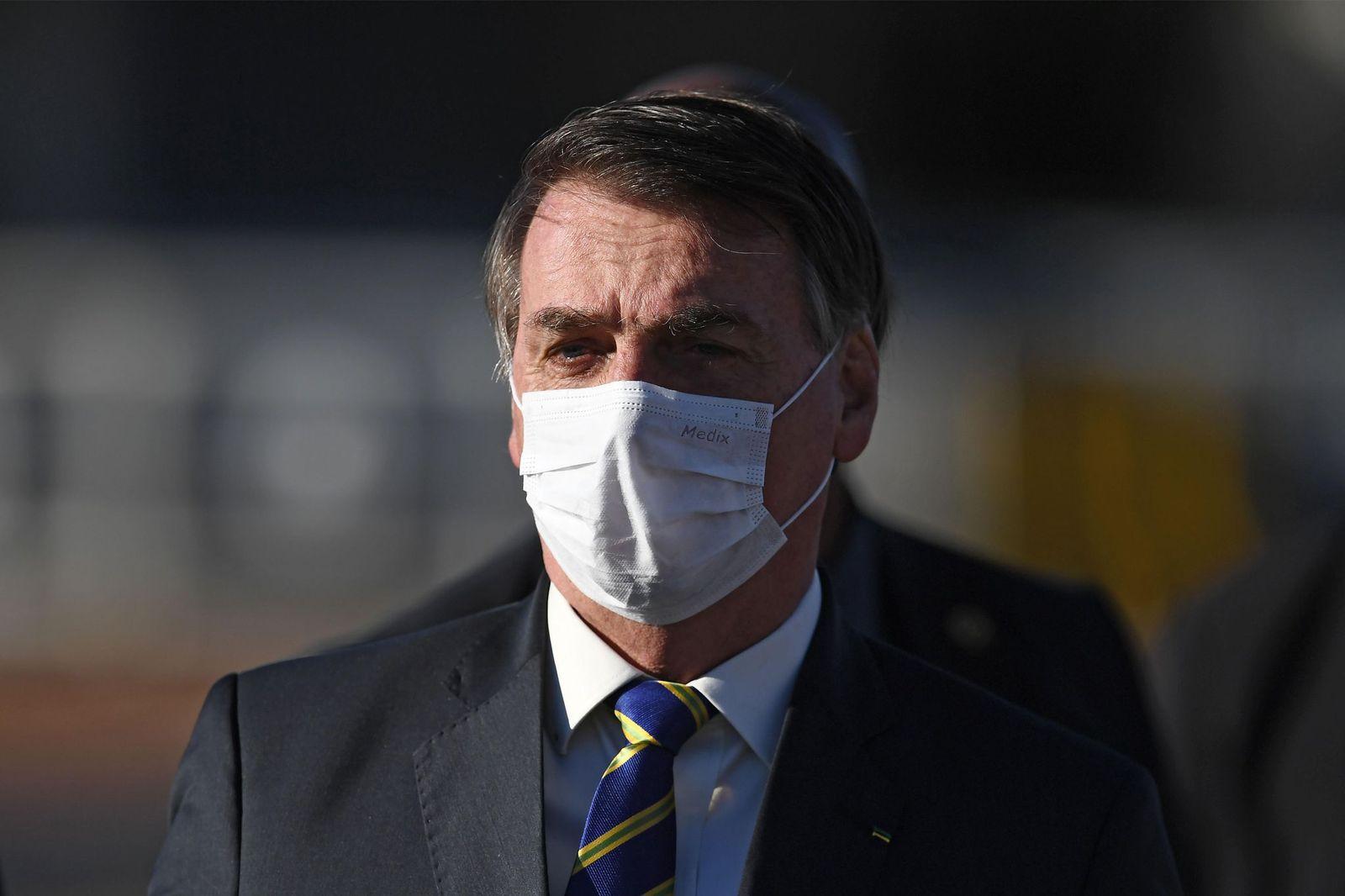 الرئيس البرازيلي جايير بولسونارو يعلن إصابته بفيروس كورونا المستجد