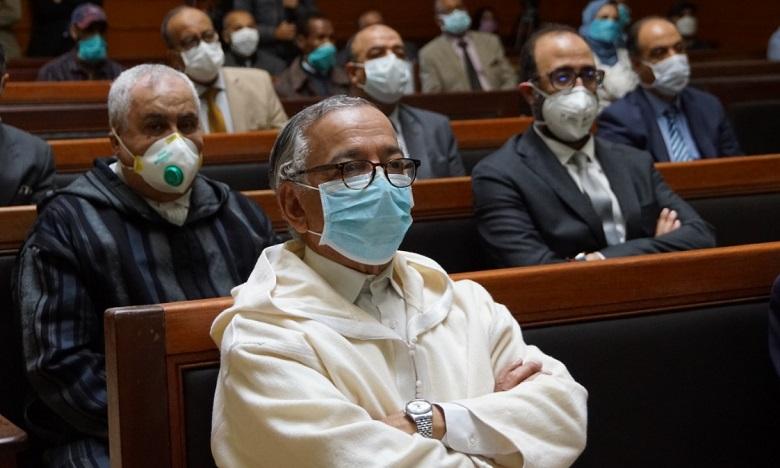 """فارس يدعو المسؤولين القضائيين إلى التقيد الصارم بالتدابير الوقائية المتخذة لمواجهة """"كوفيد-19"""""""