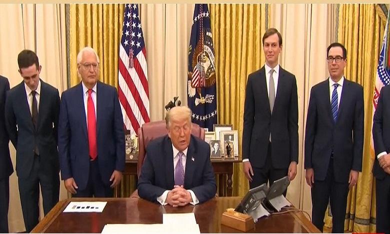 """ترامب يعلن اتفاق سلام """"تاريخي"""" بين الإمارات العربية وإسرائيل"""