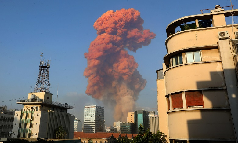 بيروت: انفجاران  ودمار هائل يخلفان عشرات القتلى والجرحي
