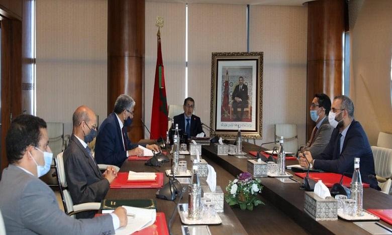 العثماني: الحكومة ملتزمة باعتماد إجراءات واقعية وبديلة دعما لمرضى السرطان