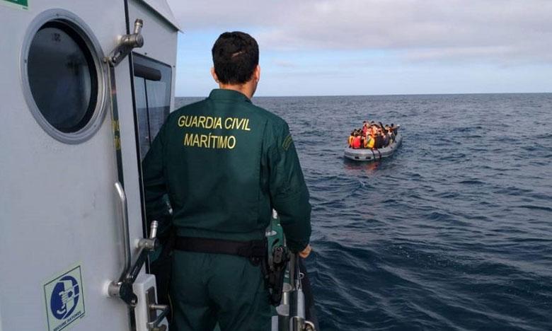 البحرية الإسبانية توقف قوارب محملة بمغاربة حاولوا الهجرة غير الشرعية