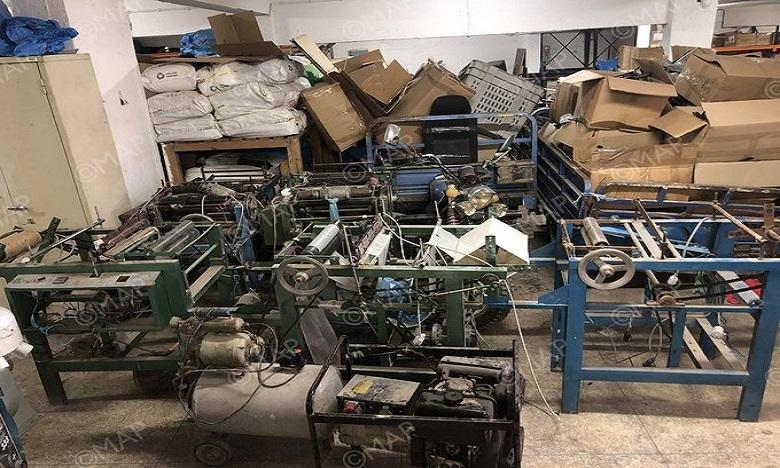 طنجة: مداهمة معمل سري لصناعة الأكياس البلاستيكية