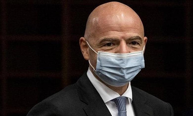 """إصابة رئيس الـ""""فيفا"""" بفيروس كورونا"""