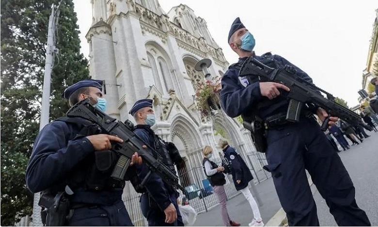 فرنسا:  توقيف ثالث مشتبه به في حادث الهجوم بسلاح أبيض في نيس ومقتل 3 أشخاص