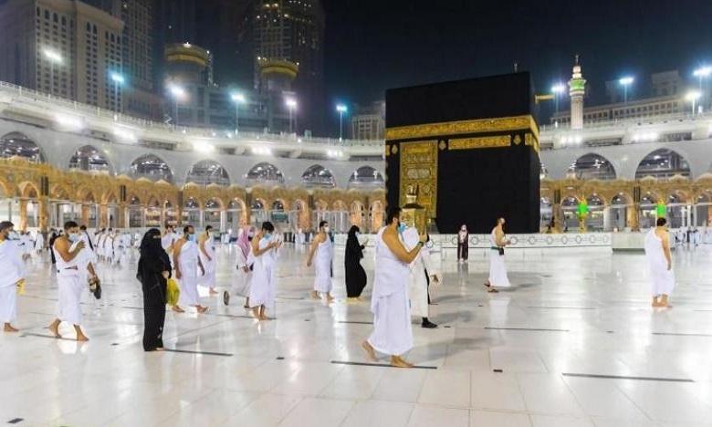 جائحة كورونا: أولى رحلات المعتمرين من خارج السعودية تصل إلى جدة غدا الأحد