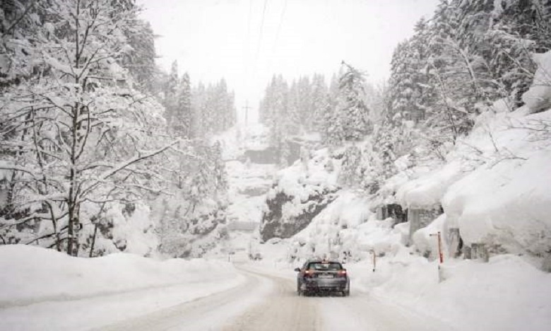 نشرة خاصة: تساقطات ثلجية وطقس بارد ورياح قوية وأمطار رعدية من الجمعة إلى الأحد