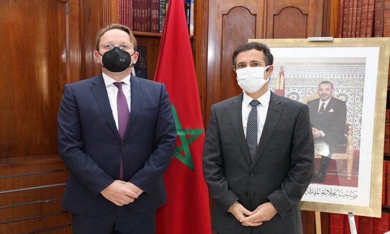 بنشعبون يدعو الاتحاد الأوروبي إلى المساهمة في صندوق محمد السادس للاستثمار