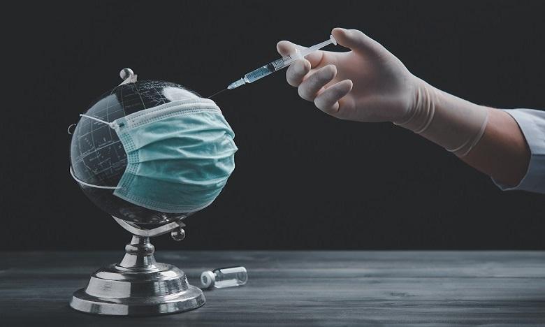 كوفيد19: منظمة الصحة العالمية تدعو إلى التضامن بين الدول لضمان تطعيم العاملين الصحيين والمسنين