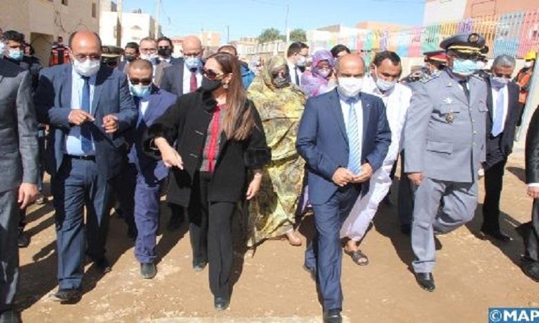 نزهة بوشارب تطلع على مشاريع التأهيل الحضري ومحاربة السكن غير اللائق بالسمارة
