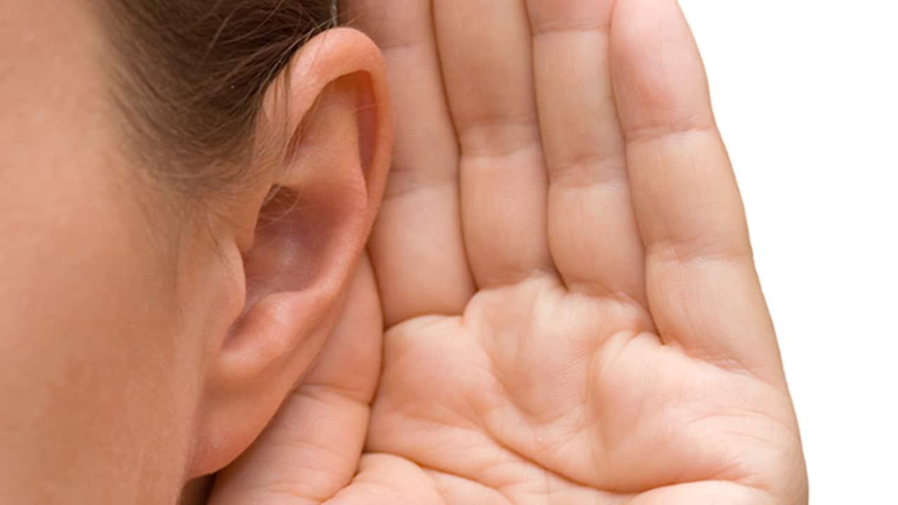 منظمة الصحة: 430 مليون شخص في أنحاء العالم يعانون من ضعف في السمع