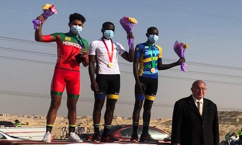 البطولة الإفريقية لسباق الدراجات في مصر: الدراج المغربي محمد نجيب السنبولي يحصل على ميدالية فضية