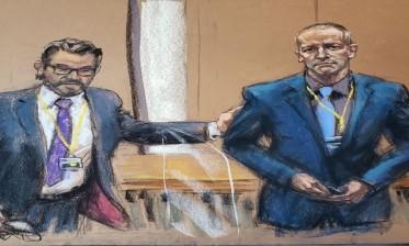 إدانة ضابط الشرطة المتهم في قضية مقتل جورج فلويد بجميع التهم المنسوبة إليه