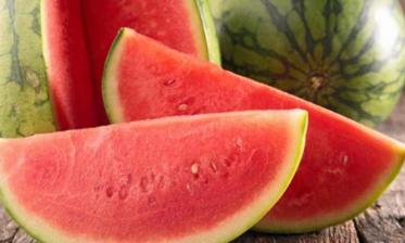 """التحاليل المخبرية لـ""""أونسا"""" تؤكد أن فاكهة البطيخ الأحمر سليمة وخالية من الملوثات"""