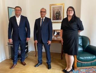 """سفير المغرب بوارسو: شركة """"شميد بولسكا"""" تعتزم الاستثمار بالمغرب"""
