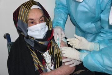 كوفيد-19 : 112 حالة إصابة جديدة وأزيد من ستة ملايين و171 ألف شخص استفادوا من الجرعة الأولى من اللقاح