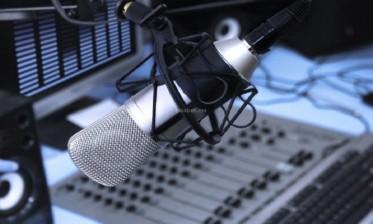 بث برنامج جديد لتعلم اللغة الإنجليزية للأطفال على أمواج الإذاعة الوطنية