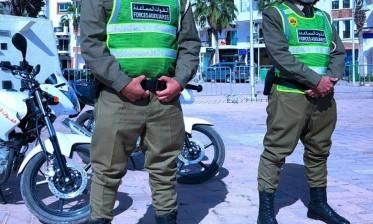 """وزارة الداخلية تنفي """"هجرة"""" 4 عناصر من القوات المساعدة إلى سبتة المحتلة"""