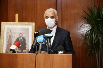"""وزير الصحة آيت الطالب أمام امتحان """"جواز التلقيح"""" في البرلمان"""