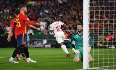 """الصحف الإسبانية تهاجم """"لاروخا"""" بعد السقوط أمام إنجلترا"""