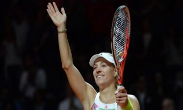 كيربر تخطف الوصافة في التنس من فوزنياكي