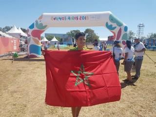 العداء أنس الساعي يحرز فضية في أولمبياد الشباب