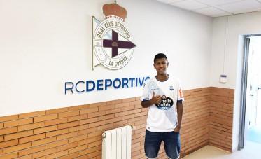 الرجاء يعير لاعبا شابا لديبورتيفو لاكورونيا الإسباني