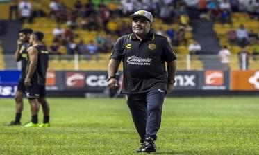 الدوري المكسيكي...مارادونا يتعرض للطرد
